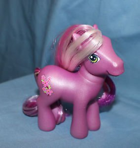 My Little Pony G3 Cherry Blossom III. 2006. Magnet in left front hoof.
