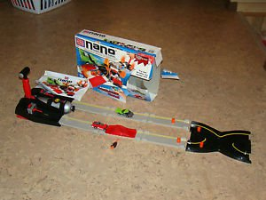 Smokin' Stunt Speedway, Mega Bloks Nano. 99% Complete, with Instructions, box.