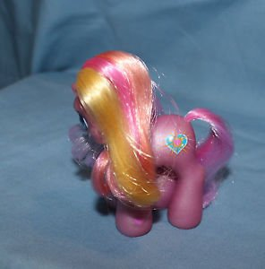 My Little Pony G3 Baby Pink Sunsparkle 2002. Magnet in left front hoof.