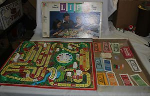 Vintage 1985 Game of Life. Art Linkletter money. Pink & blue pegs