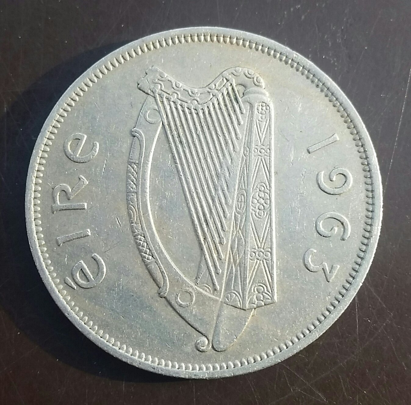 "Irish pre-decimal ""Leath Choróin"" or half crown. �ire Harp and ""Irish Hunter"""
