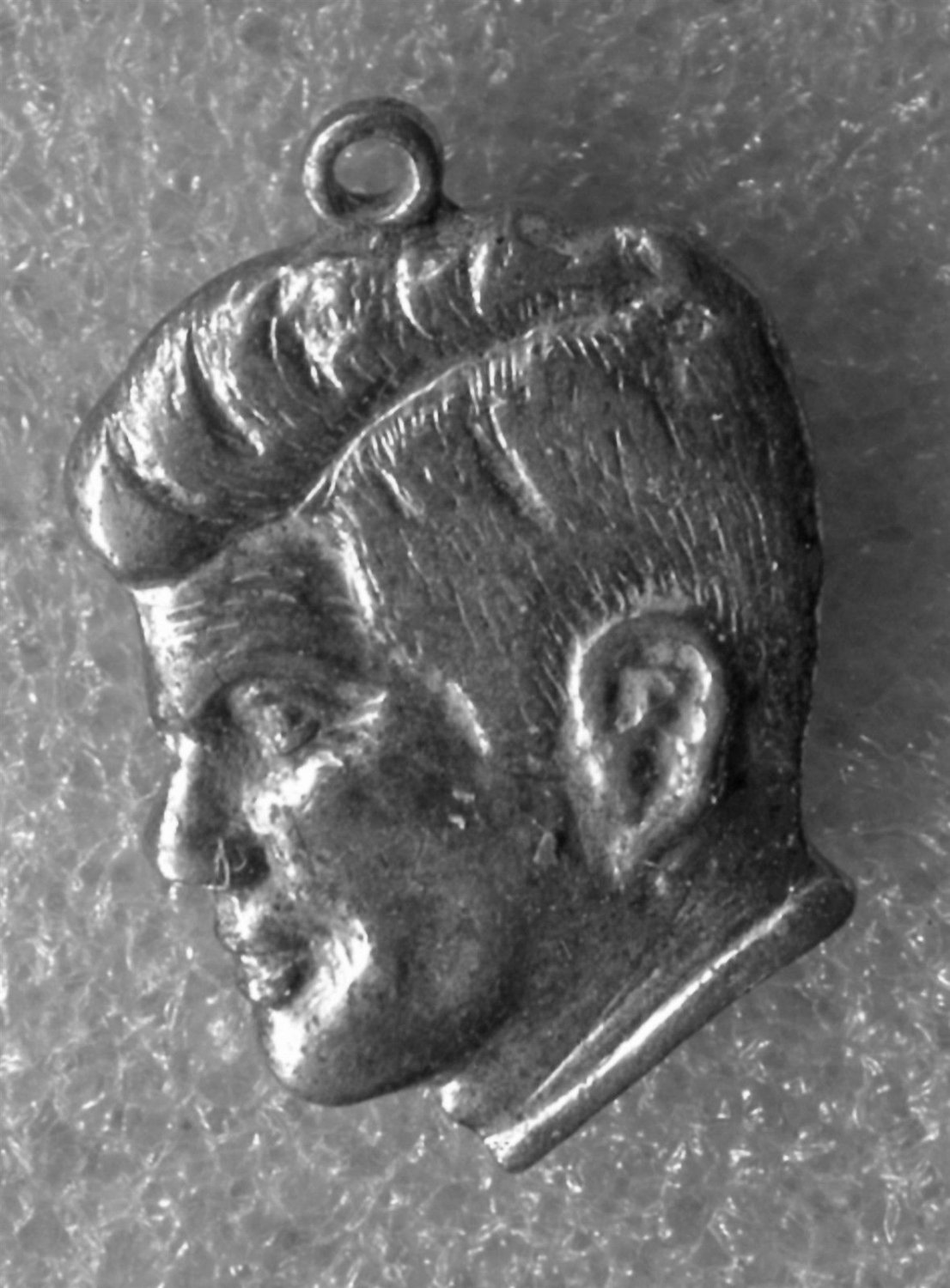 """Vintage Charm JFK Bust : Kennedy """"Ask Not .. """" Speech Quote"""