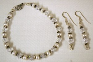 Pearl & Swarovski  Bracelet and Earrings  SRAJD