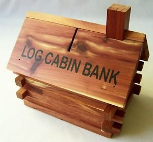 Log Cabin PIGGY BANK Cedar Wood Coin Souvenir Wooden Cottage Lodge Realistic NEW