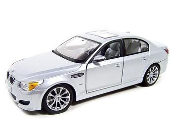 BMW M5 silver 1:18 diecast