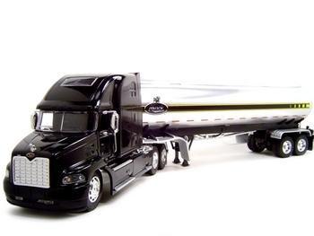 Mack Vision Tanker Truck 1:32 diecast