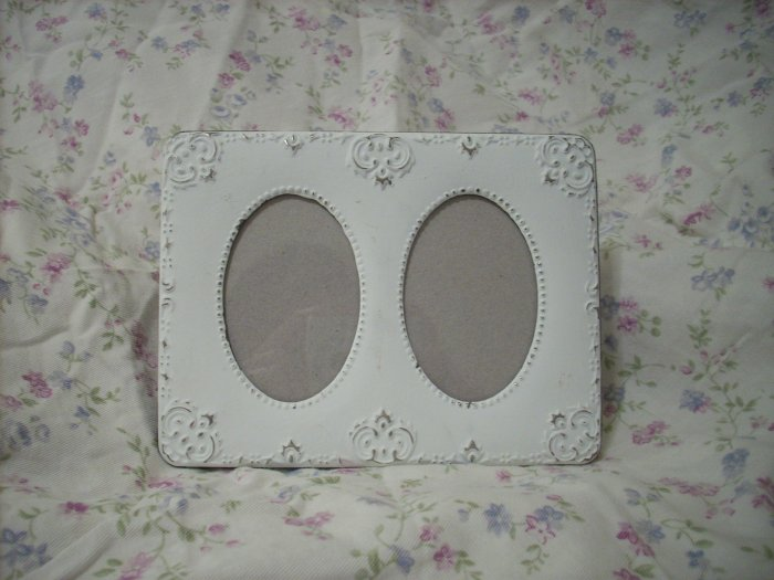 Shabby Vintage Double Picture Frame