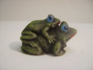 Vintage Frogs Handpainted Solid Resin Dbl. Green Frogs n58