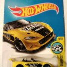 Hot Wheels 2017 HW Speed Graphics '15 Mazda MX-5 Miata 80/365, Yellow