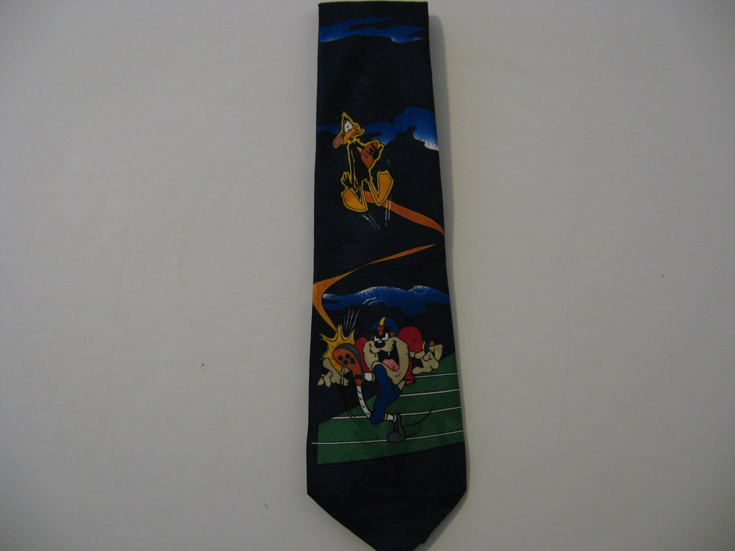 Vintage 1994 Looney Tunes - Daffy Duck & The Tasmanian Devil Football Tie!