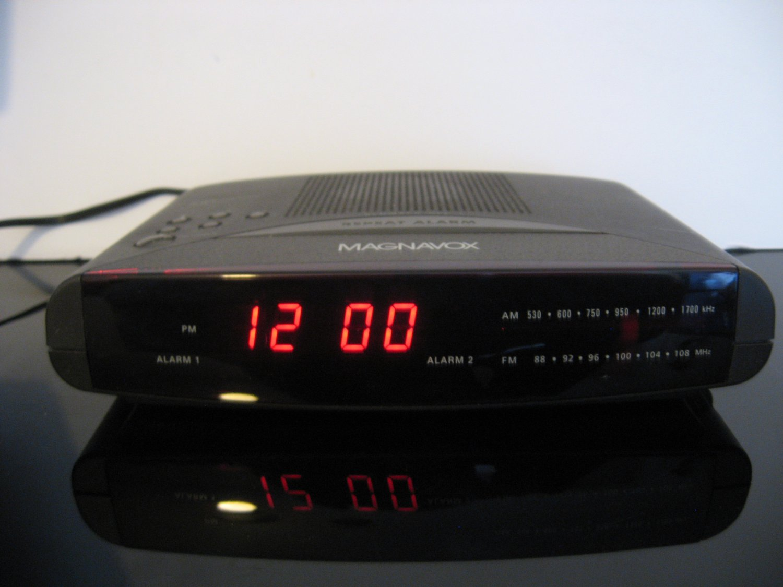 Vintage Magnavox AM/FM Dual Clock Radio Model AJ3240