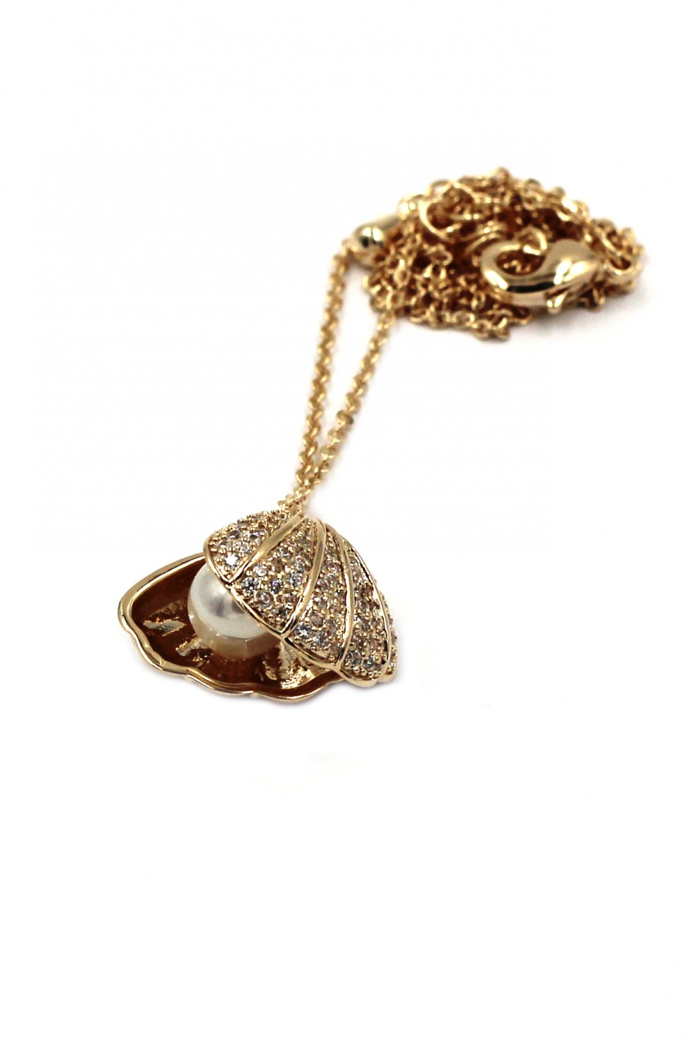 Pearl shell gold necklace