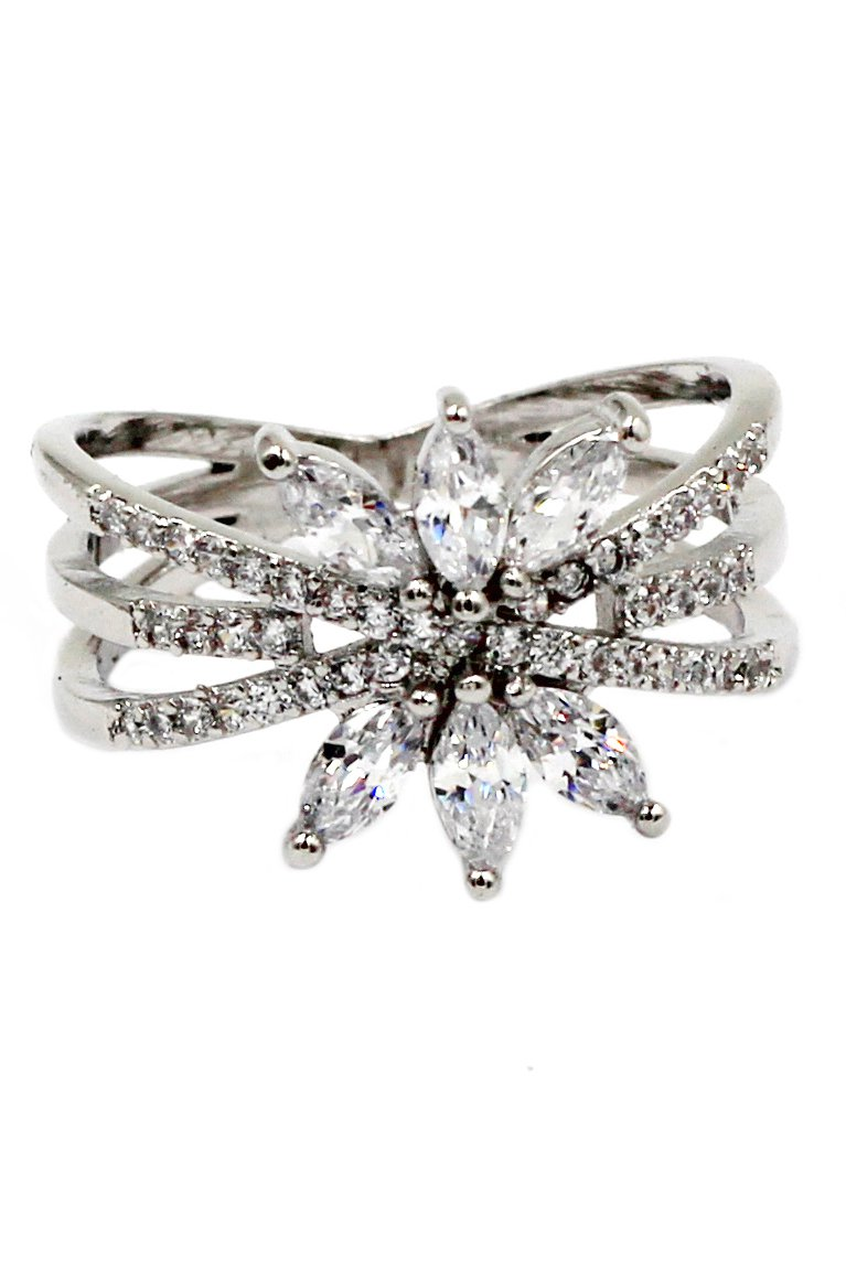 Shiny silver crystal ring