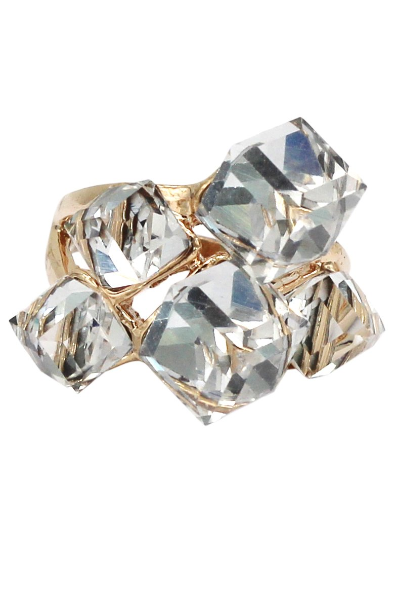 Noble square gray crystal golden ring