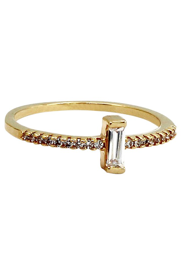 Simple vertical crystal gold ring
