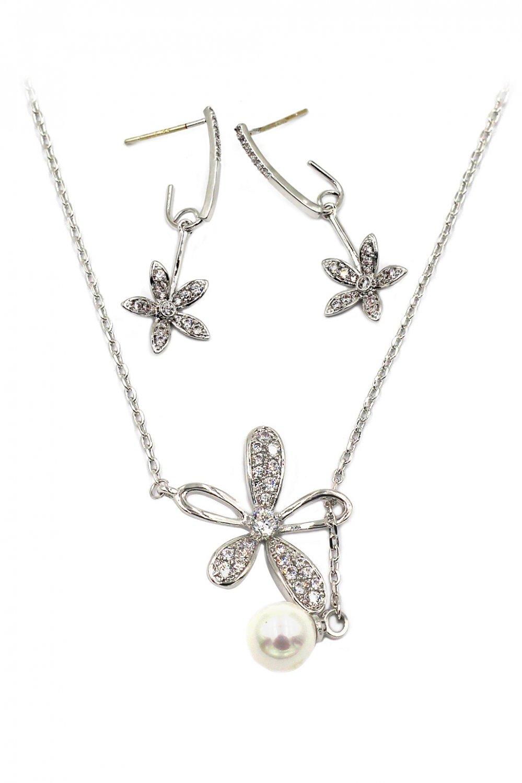 Elegant crystal flower petals necklace earrings silver set