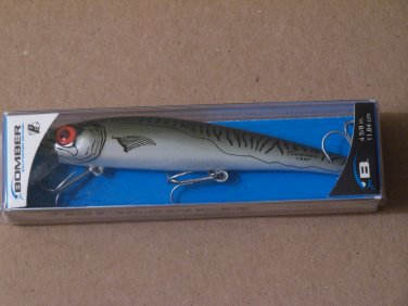 Bomber Long A Saltwater Grade 4 5/8in Green Mackeral fishing lure B005