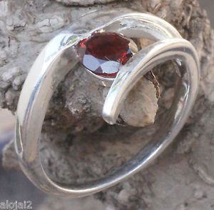 Solid Sterling Silver 92.5% Ring Gemstone Garnet  size 8.00  Solitaire  (702)