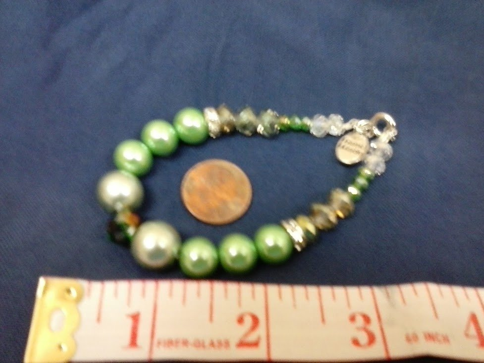 026 Handmade Various colored Green Bead bracelet