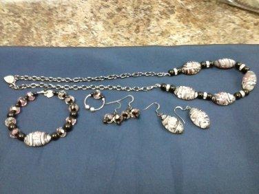 057 Unique Zebra stripe glass beads with pink flowers Jewelry set
