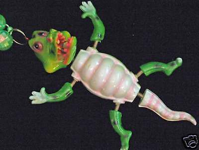 Bobble Head Alligator  Mardi Gras Beads Moves Animated