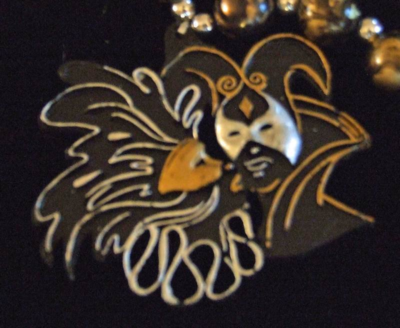 Masquerade Faces Couple Mardi Gras New Orleans Beads