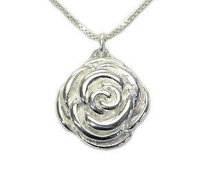 Beautiful Sterling Silver Rose Pendant 18 inch Chain