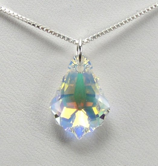 BEAUTIFUL SWAROVSKI AB CRYSTAL PENDANT AND NECKLACE