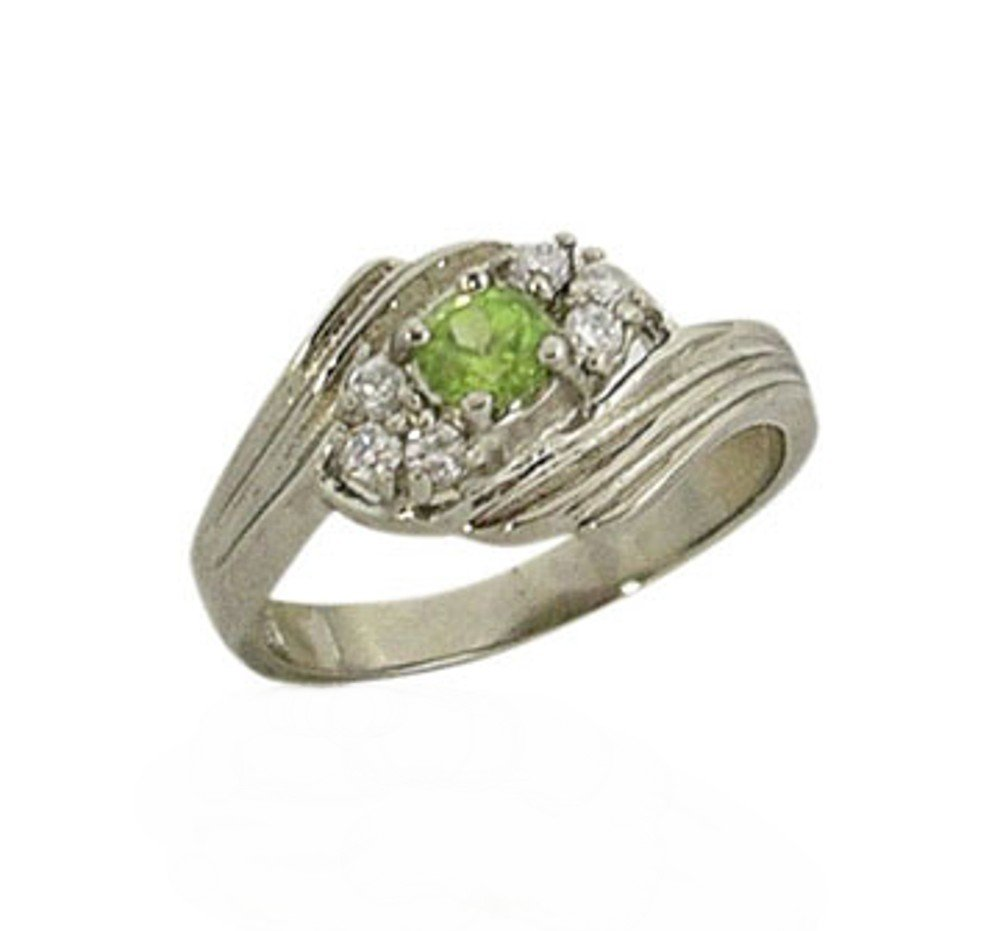 sterling silver ring with a genuine peridot in size 7