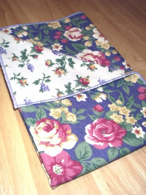 Cottage Roses - Light Purple - Double Sided Cloth Napkins - Set of 4