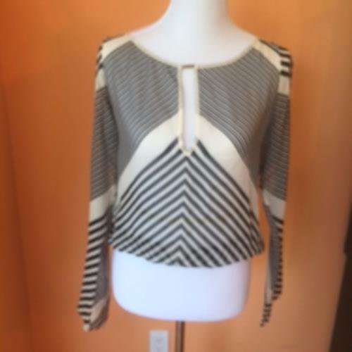 GUCCI 100% Silk Black White Striped Top Key Hole Cut Out SZ IT 44 US 8 Tom Ford