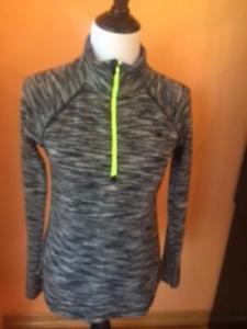 Pre-owned EDDIE BAUER  Gray & Black Zig Zag Zip Up Fleece Neon Green Zipper SZ M