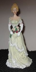 PORCELAIN FIGURINE LACED GOWN VICTORIAN LADY WOMAN FLOWRAL BOUQUET
