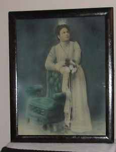 ANTIQUE PAINTING ON CANVAS PORTRAIT OF A COLONIAL VICTORIAN LADY