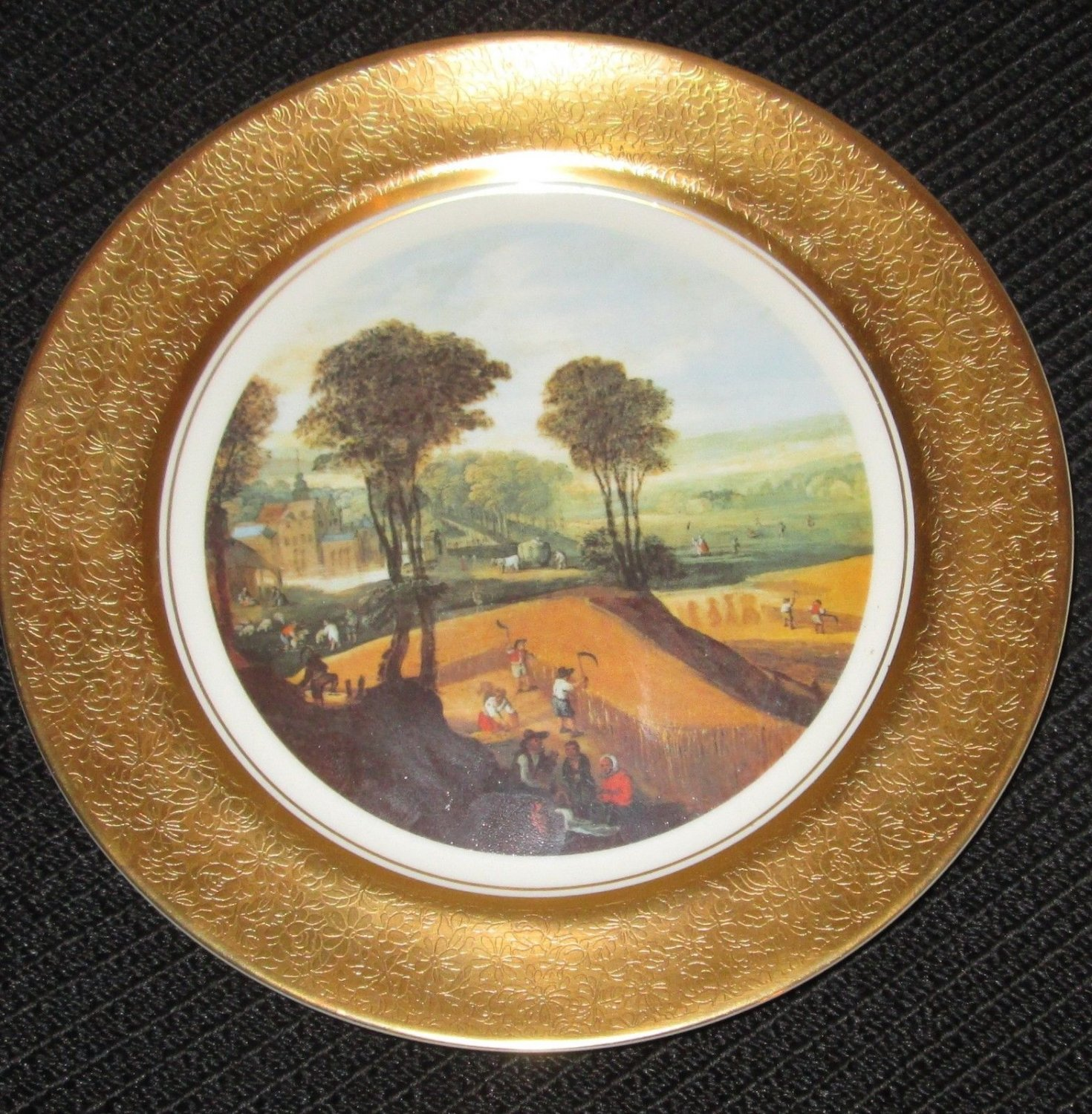 COLLECTIBLE PICKARD STUDIO CHINA  GOLD HAND PAINTED DECORATED PLATE SCENIC