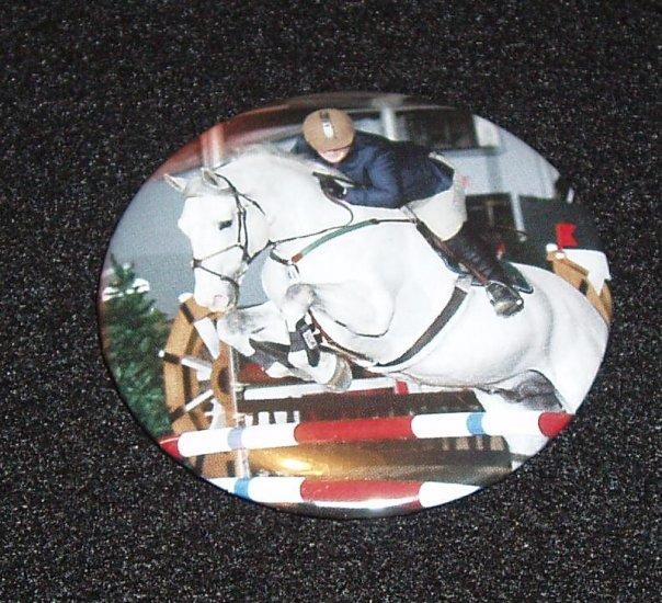 Jumping horse badge, pin - H 0001