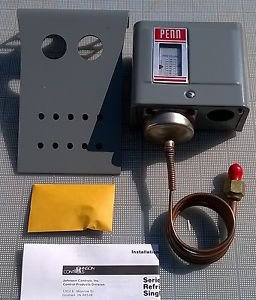 NOS JOHNSON CONTROLS P70AA-2C Head Fan Cycling Pressure Control 0/150 PSIG SPST
