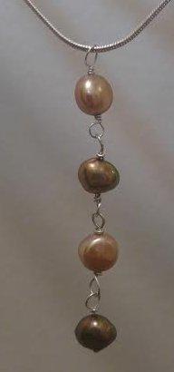 Neutral Feshwater Pearl pendant