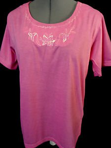 Nwt Q FASHION Embroidered Scoop Tee shirt Top womens ML Pink short sleeve blouse