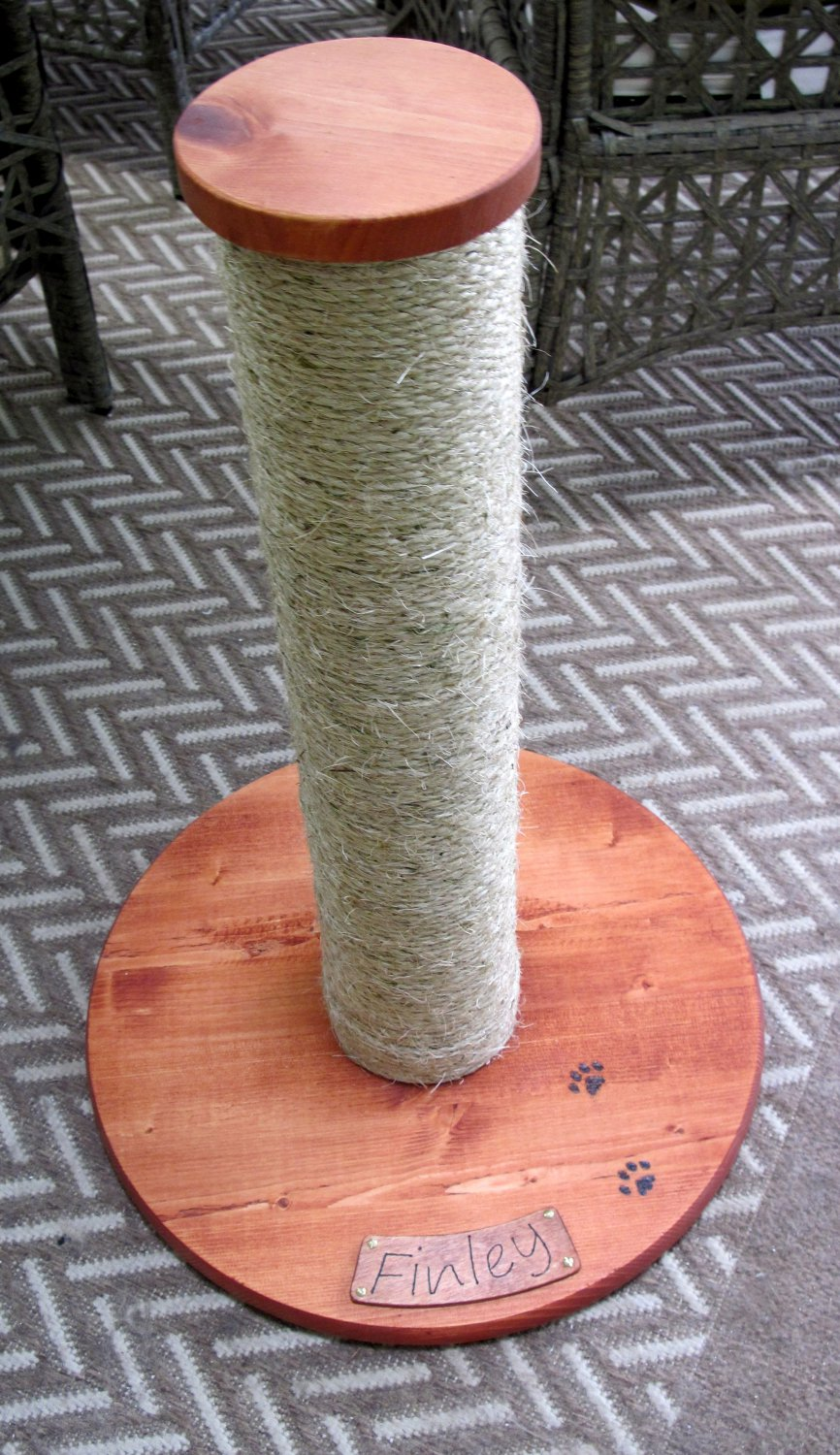 Custom made cat scratching post with your cat�s name - 24 inch