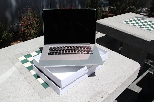 Apple MacBook Pro MC976BA 15-inchRetina DisplayQuad-Core i7 2.6GHz8GB RAM51