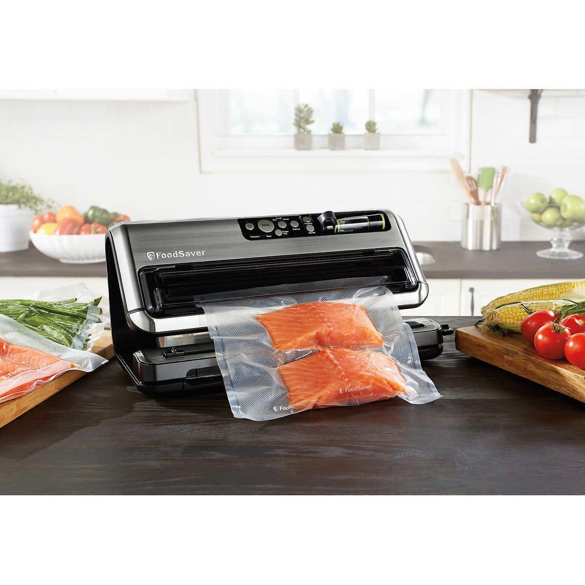 FoodSaver FM5480 2-in-1 Food Preservation System Starter Kit NEW