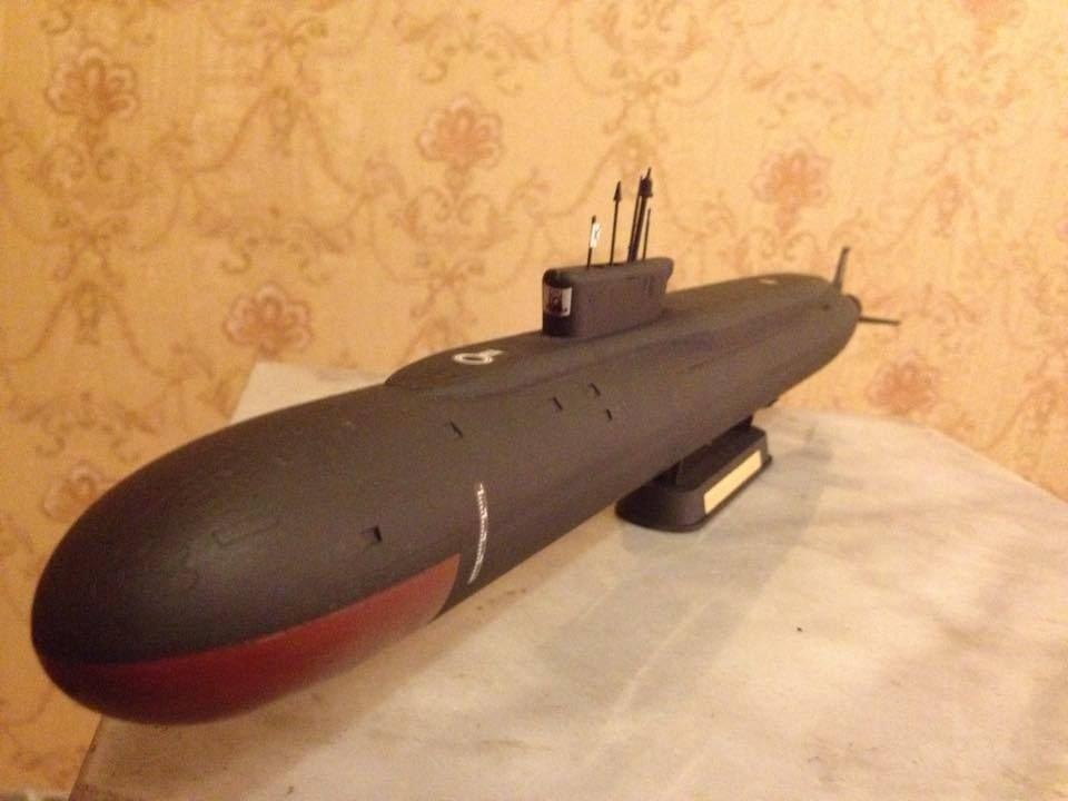 1:350 Russian Borei class submarine complete model