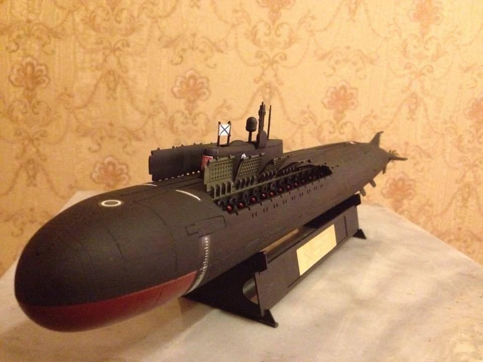 1:350 Russian Oscar ll class submarine'' Kursk ''complete model