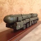 Topol m SS-27 Russian/Soviet ballistic missile 1:72 complete model