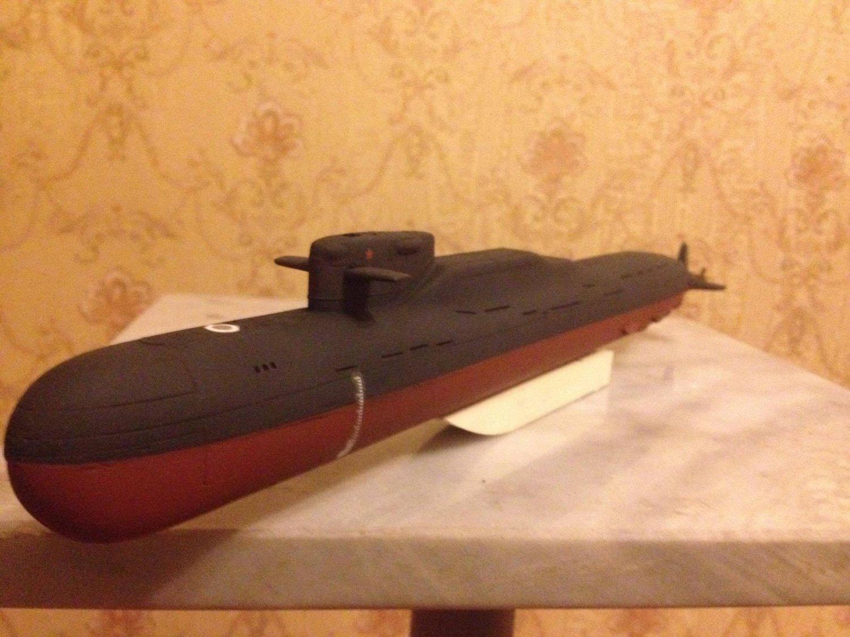 1:350 Soviet/Russian Yankee class submarine complete model