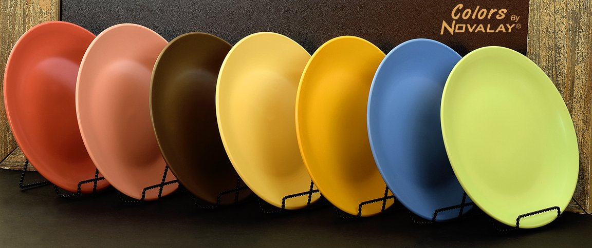 FOUR Ceramic dinner plates FOUR Different MATTE colors