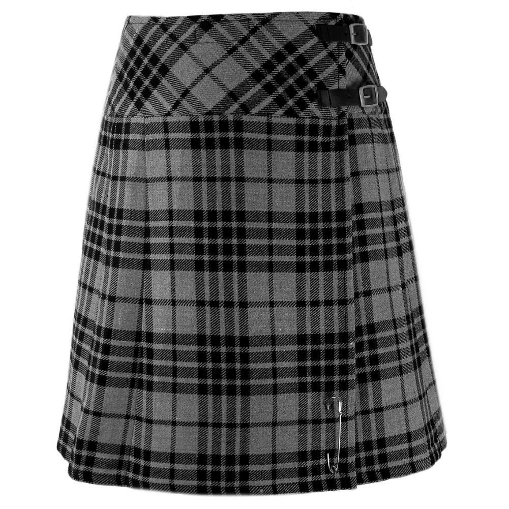 WOMEN'S SCOTTISH HIGHLAND GREY WATCH TARTAN KILT SIZE 42, 8 yards