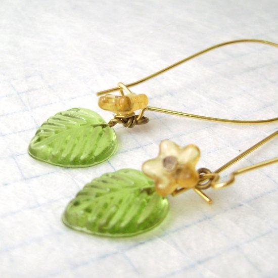 Yellow Daisy - sweet brass and glass earrings