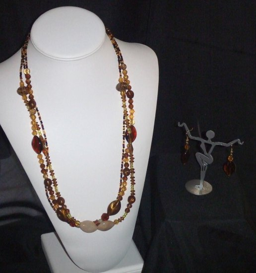Cream & Chocolate Necklace & Earring Set